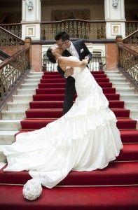 Hollywood kiss__1457351090_83.40.155.140