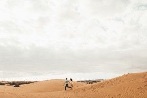 10 Photographer Couples Photoshoot - Engagement photoshoot - Sand Dunes (1)