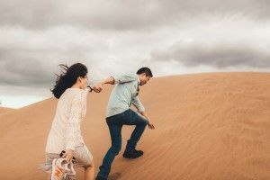 7 Photographer Couples Photoshoot - Engagement photoshoot - Sand Dunes (1)