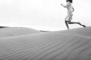 8 Photographer Couples Photoshoot - Engagement photoshoot - Sand Dunes (1)
